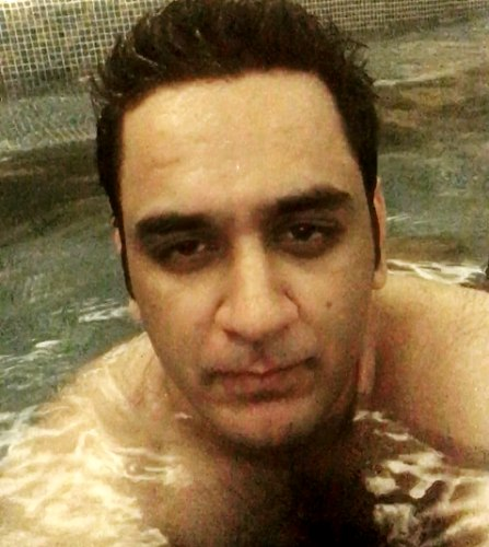 Vikas Gupta swimming