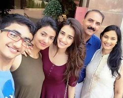 Disha Patani with her family
