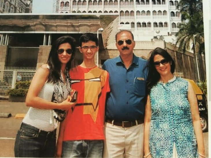 Disha Patni's sister, brother and her parents