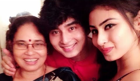 Mouni Roy Mother and Brother