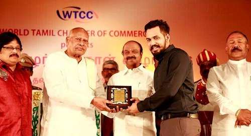 Adhi received Saadhanai Tamizhan award