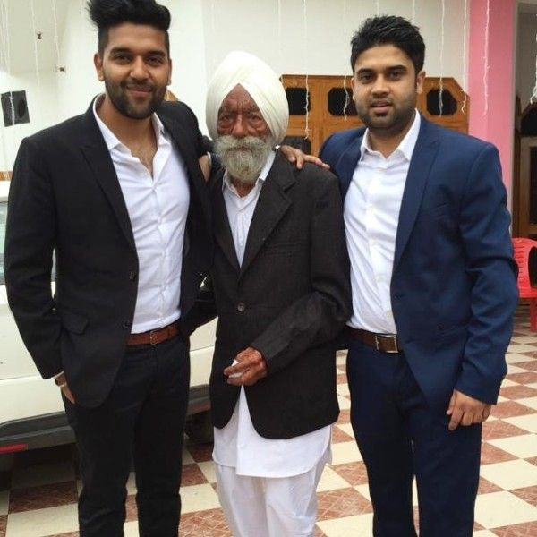 Guru Randhawa with his father and brother