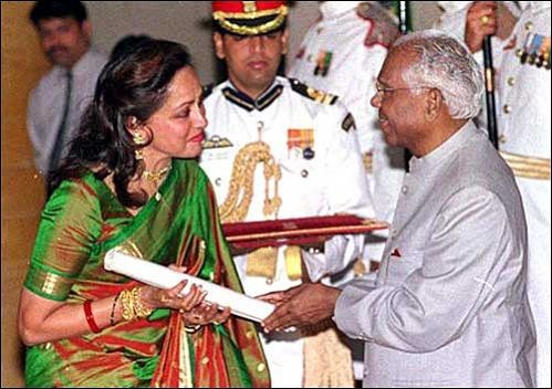 Hema Malini recieving Padma Shree