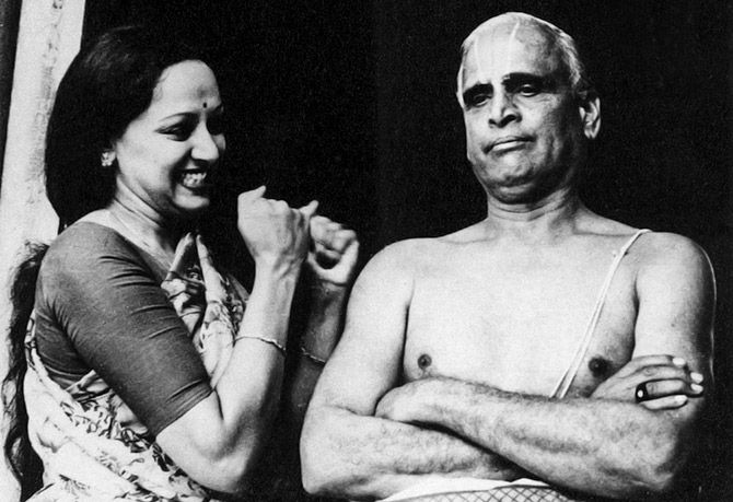 Hema Malini with her father