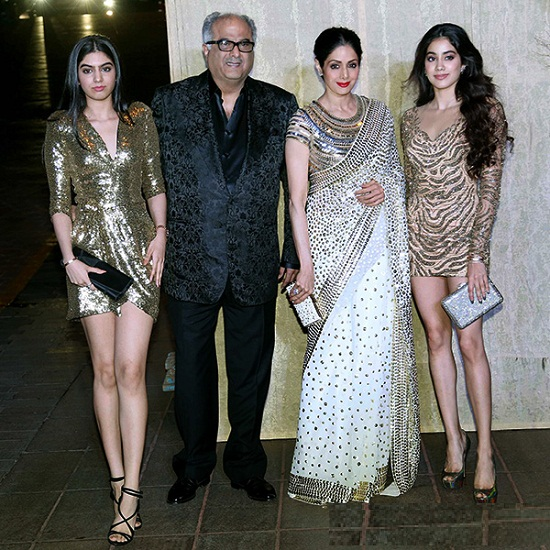 Jhanvi Kapoor with her Family