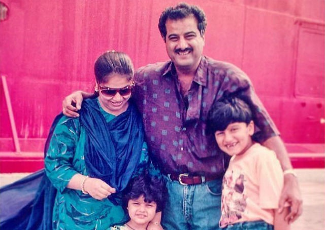 Jhanvi Kapoor Father, Step-Mother and Half Siblings (Old Picture)