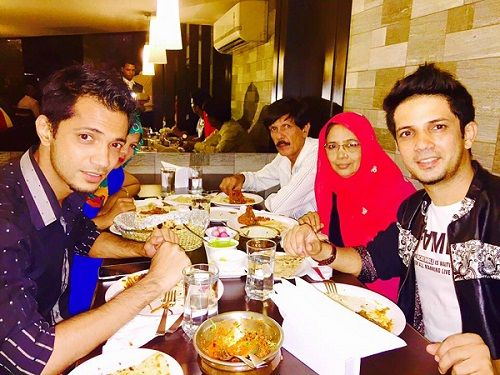 Mudassar Khan with family