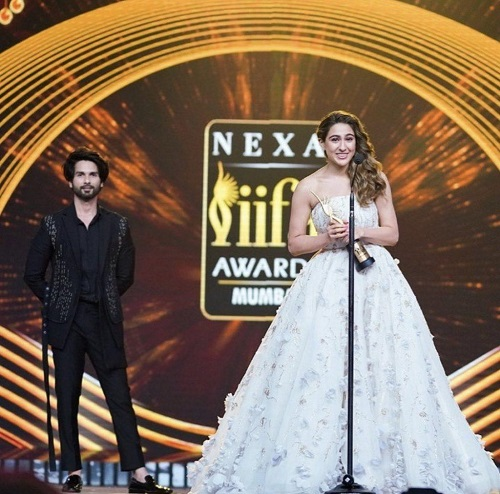 Sara Ali Khan With Her Award