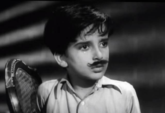 Shashi Kapoor as a child artist in Aag