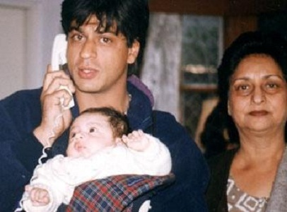Suhana Khan's childhood picture with his father and grandmother
