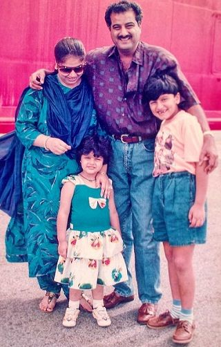 Arjun Kapoor's chilhood picture with parents and sister