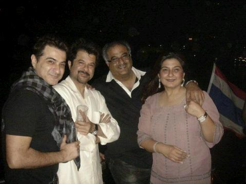 Boney Kapoor with his siblings