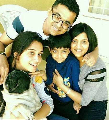 Dipika Kakar with her elder sister, brother-in-law Vinod and nephew Pranav