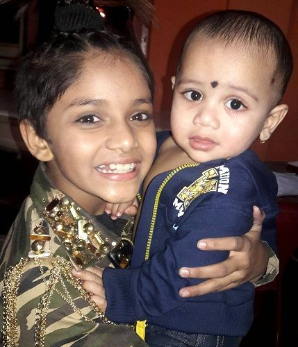 Ditya Bhande with her sister Hruday