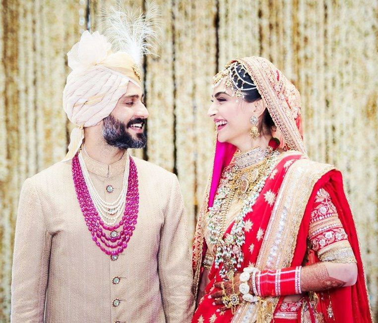Anand Ahuja and Sonam Kapoor wedding pic