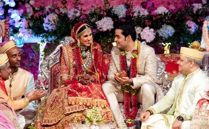 Shloka Mehta And Akash Ambani Marriage Photo