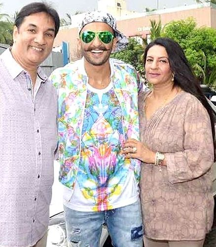 Jagjit Singh Bhavnani with his wife and his son