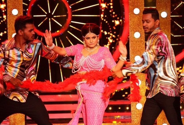 Megha Dhade performing the first day in Bigg Boss