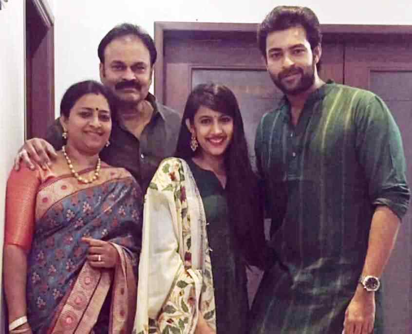 Niharika Konidela With Her Father Nagendra Babu, Mother Padmaja Konidela And Brother Varun Tej