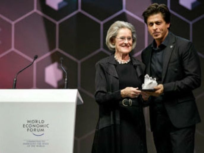 Shahrukh Khan Receiving Human Rights Awareness Award