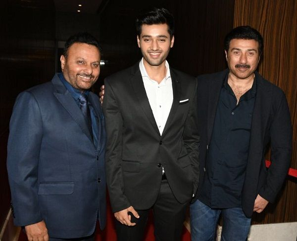 Utkarsh Sharma with his real father Anil Sharma and Reel father Sunny Deol