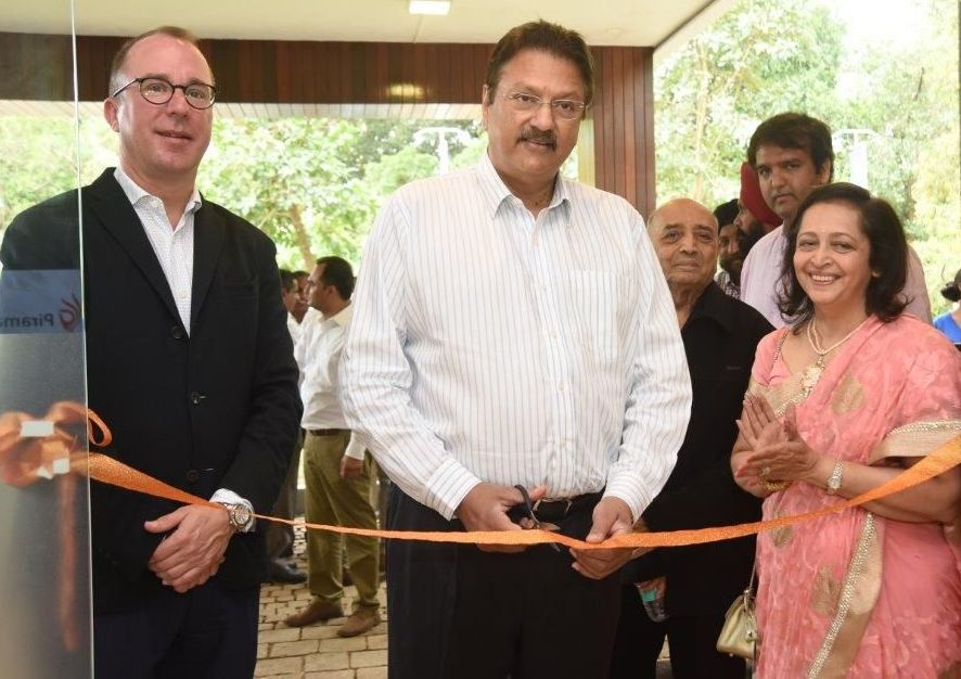 Ajay Piramal Inaugurating Sales Centre