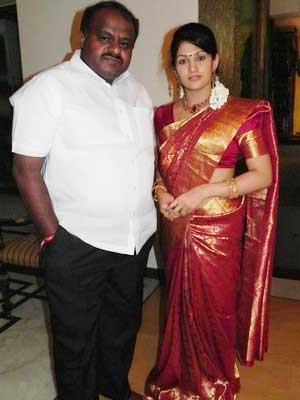 Radhika Kumaraswamy With Her Husband H.D. Kumaraswamy
