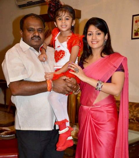 Radhika Kumaraswamy With Her Second Husband HD Kumaraswamy And Daughter Shamika