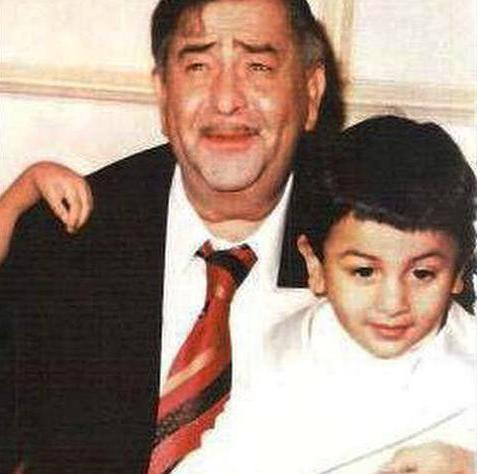 Ranbir Kapoor's Childhood Photo With Raj Kapoor