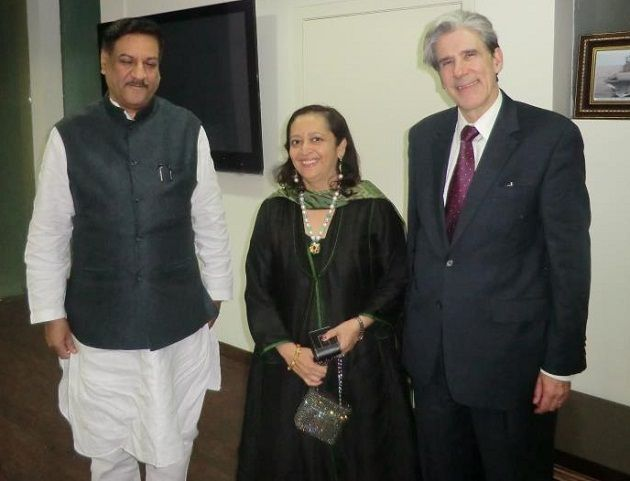 Swati Piramal with Prithviraj Chavan of Maharashtra Dean of the Harvard