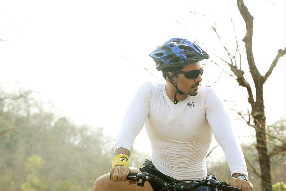 Abhinav Shukla doing cycling