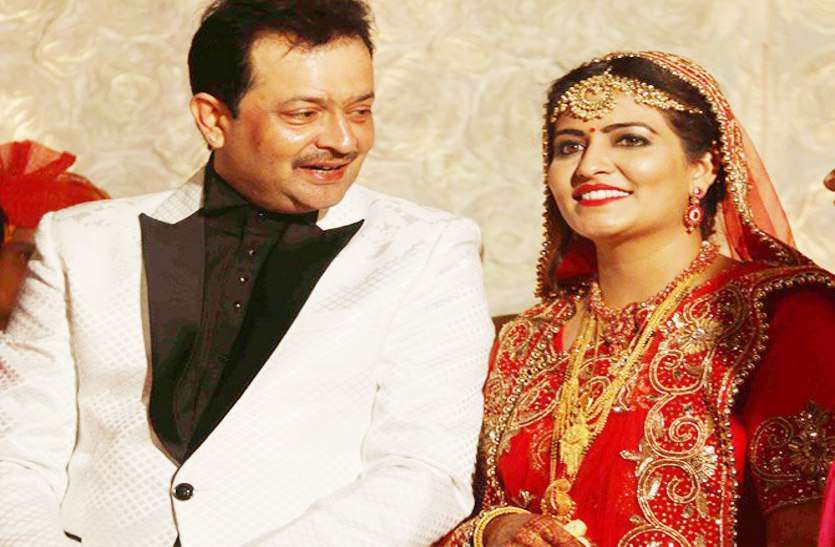 Bhayyuji Maharaj And Ayushi Sharma's Marriage Photo