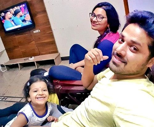 Geetha Madhuri with her husband Nandu and daughter