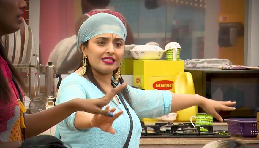 Mumtaj in the house of Bigg Boss Tamil 2