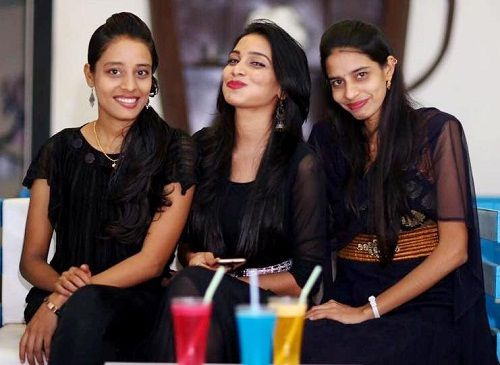 Sanjana Anne with her sisters Silpa Chowdhary and Siri Chowdhary
