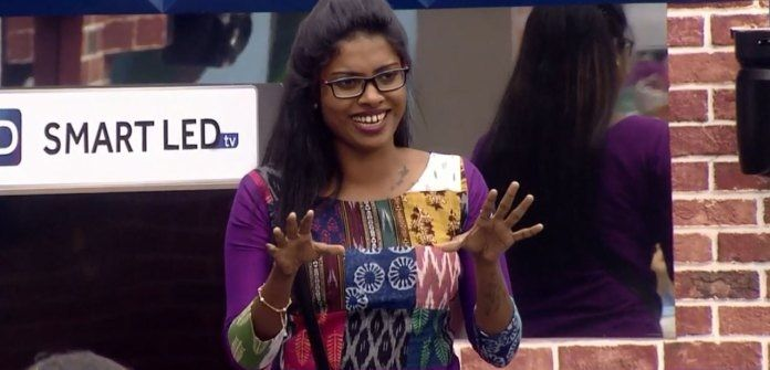 Diya Sana in the house of Bigg Boss Malayalam 1