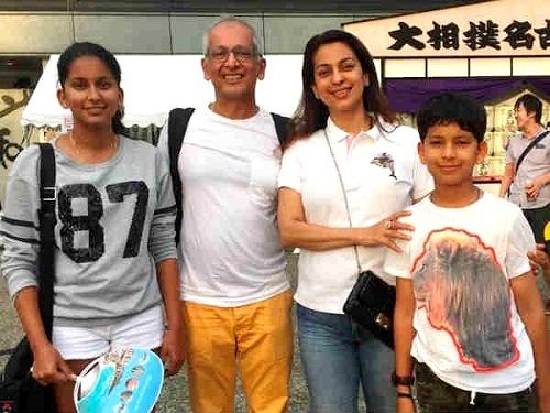 Juhi Chawla with her husband Jay Mehta and children