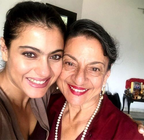 Kajol with her mother Tanuja Samarth