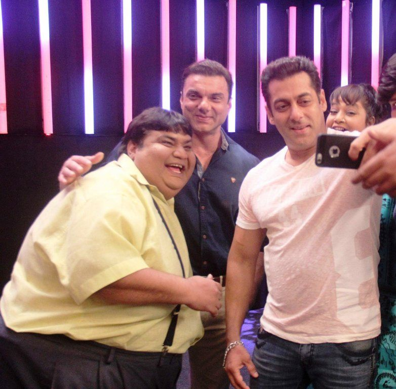 Kavi Kumar Azad with Salman Khan