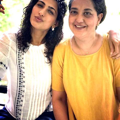 Kubbra Sait and her mother