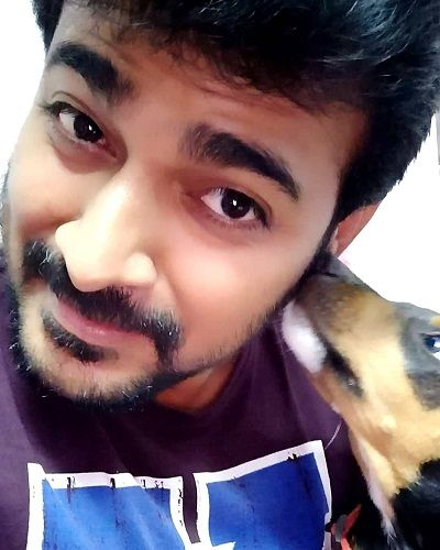 Srinish Aravind loves dogs