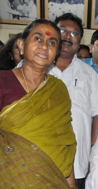 M.K Alagiri with his mother