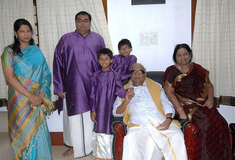 Rajathi Ammal with her husband, daughter, son-in-law, and grandsons