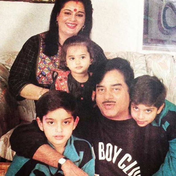 Sonakshi Sinha with family- Old Picture