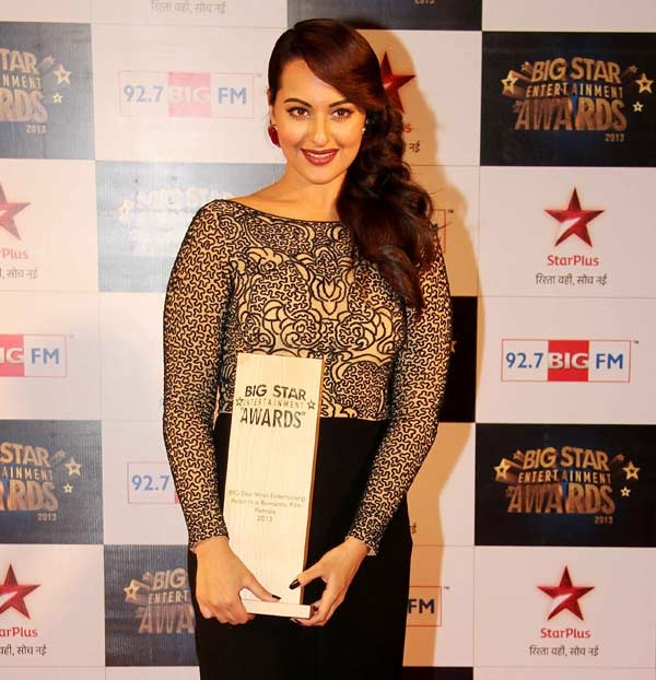 Sonakshi Sinha- Big Star Award