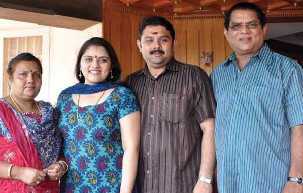 Sreelakshmi Sreekumar 2nd Stepmother and siblings with Jagathy Sreekumar