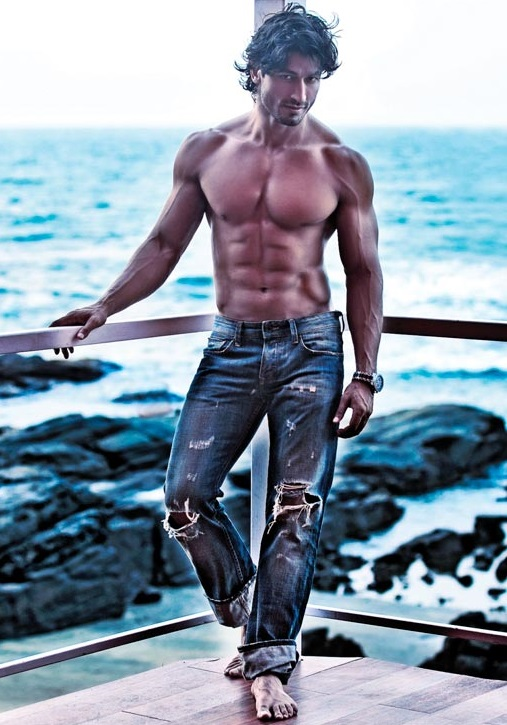 Vidyut Jammwal- Physical Appearance