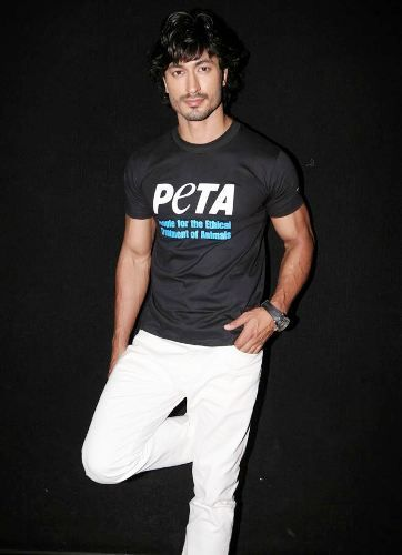 Vidyut Jammwal Promoting PETA