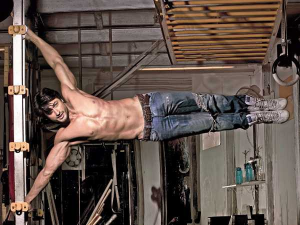 Vidyut Jammwal during his hard workout
