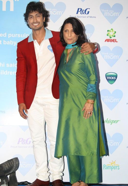 Vidyut Jammwal with his mother